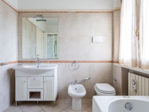 Villa Laguna : Ванная комната с ванной