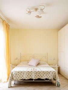 Villa Laguna : спальня с двуспальной кроватью