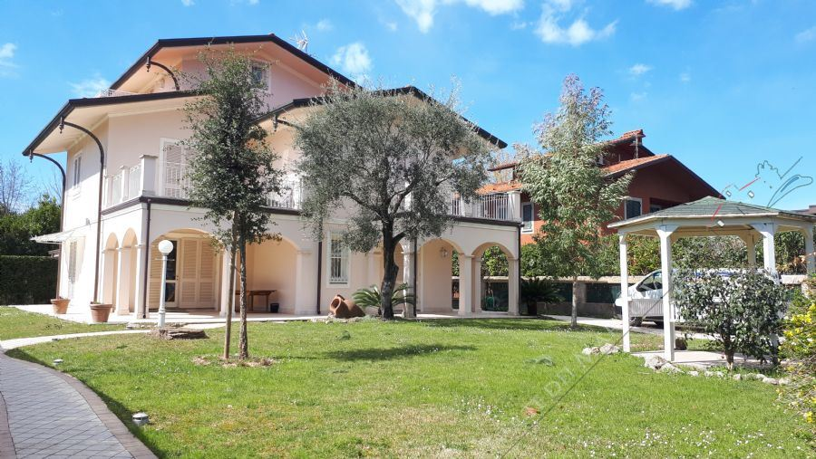 Villa Laguna - Detached villa To Rent Forte dei Marmi