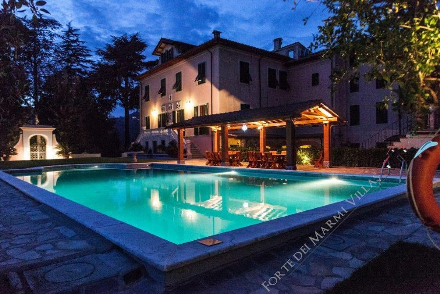 Villa Sunrise Detached villa  to rent  Camaiore