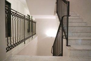 Appartamento Fidelio : мраморная лестница