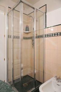Appartamento Giustino : Bagno con doccia