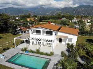 Villa New Style Detached villa  to rent  Forte dei Marmi