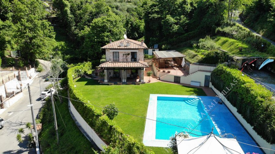 Villa Sunset detached villa to rent and for sale Camaiore
