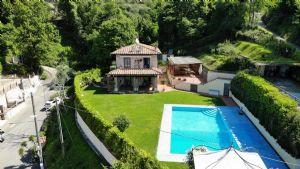Villa Sunset villa singola in affitto e vendita  Camaiore