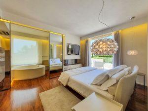 Villa Luce : Camera matrimoniale