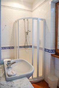 Villa Adelia : Ванная комната с душем