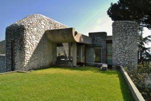 Villa della Pietra