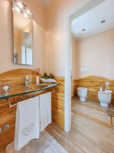 Villa Girasole : Bathroom