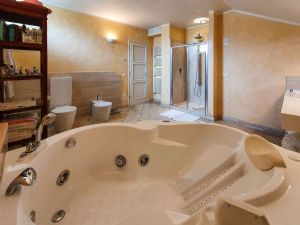 Villa Girasole : Jacuzzi
