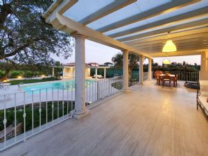 Villa Girasole : Outside view
