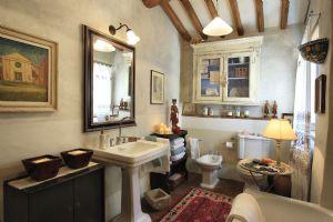 Villa Antico Uliveto : Bagno con vasca