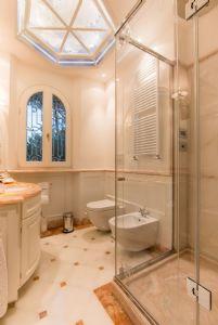 Villa Nicole : Bagno con doccia