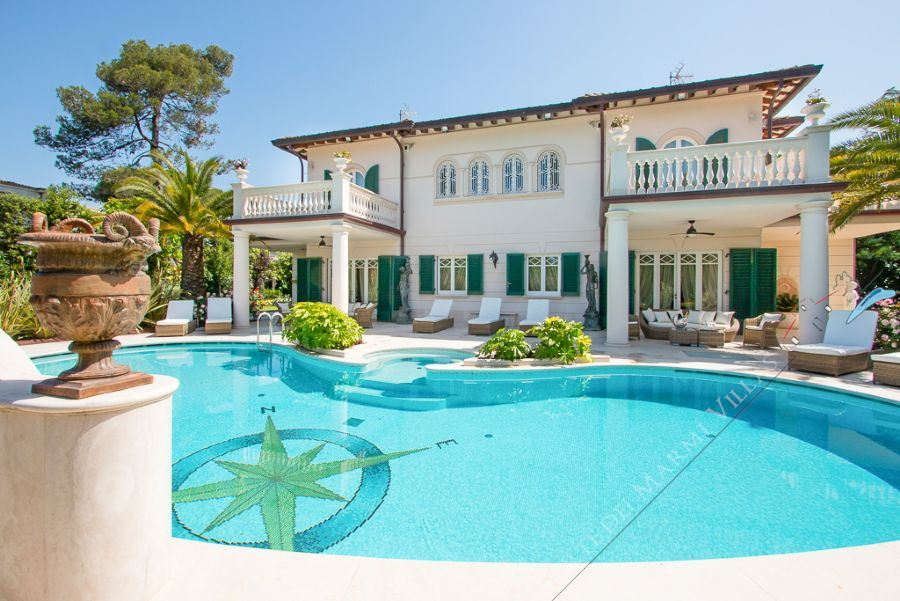 Villa Nicole Detached villa  to rent  Forte dei Marmi