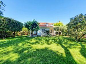 Villa Brezza Marina : detached villa to rent Centro Forte dei Marmi