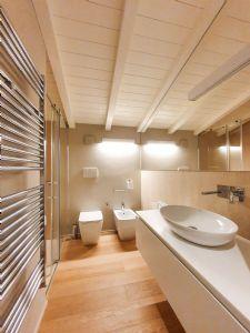 Villa Merlot : Ванная комната с душем