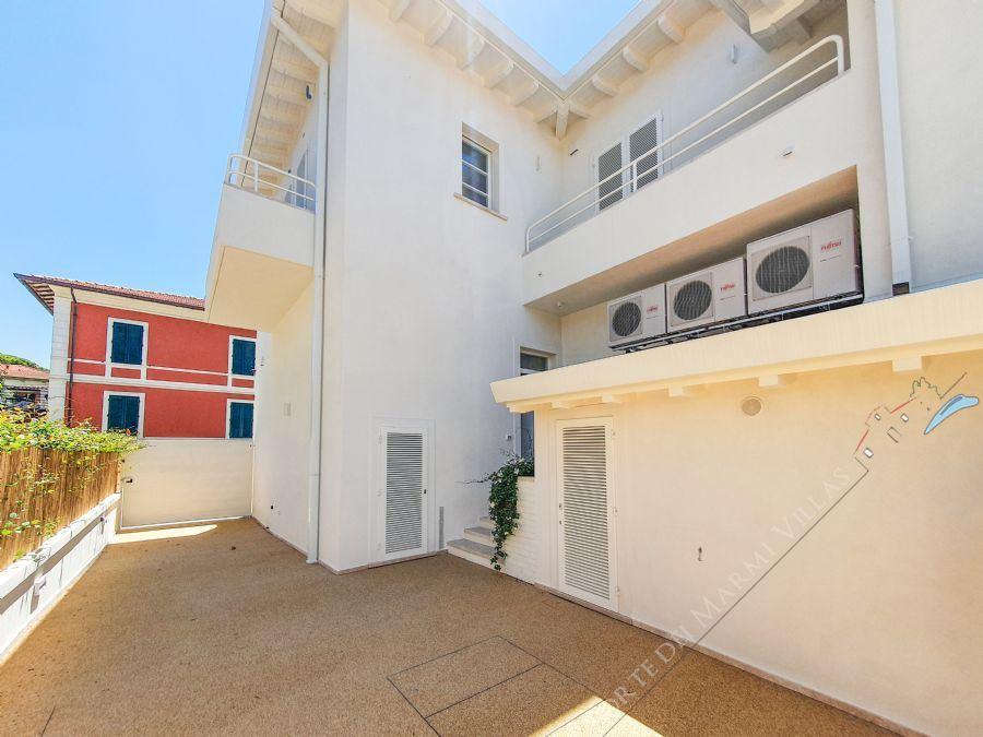 Appartamento Moscato Apartment  to rent  Forte dei Marmi