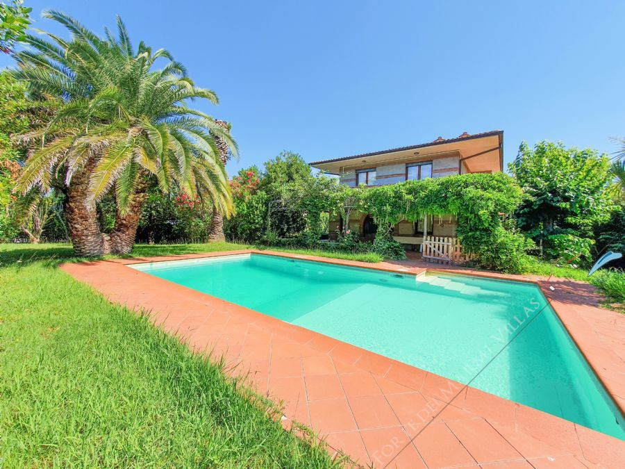 Villa Alcione - Detached villa to Rent and for Sale Forte dei Marmi