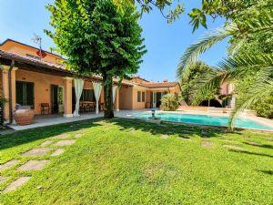Villa Le Tre Marie : Outside view
