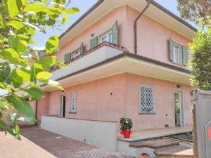 Villa Rosa villa bifamiliare in affitto Tonfano Marina di Pietrasanta