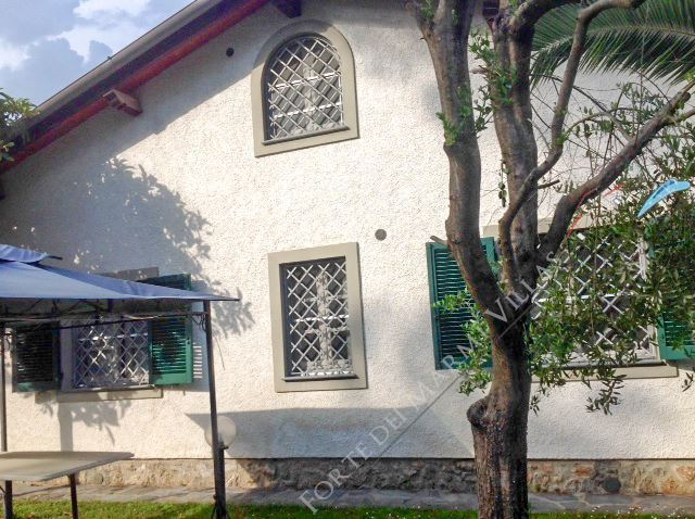 Villa dei Platani villa singola in affitto Forte dei Marmi