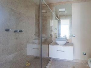 Villa Soprano : Bagno con doccia