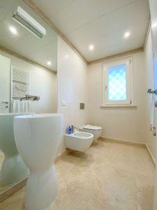 Villa Soprano : Bathroom