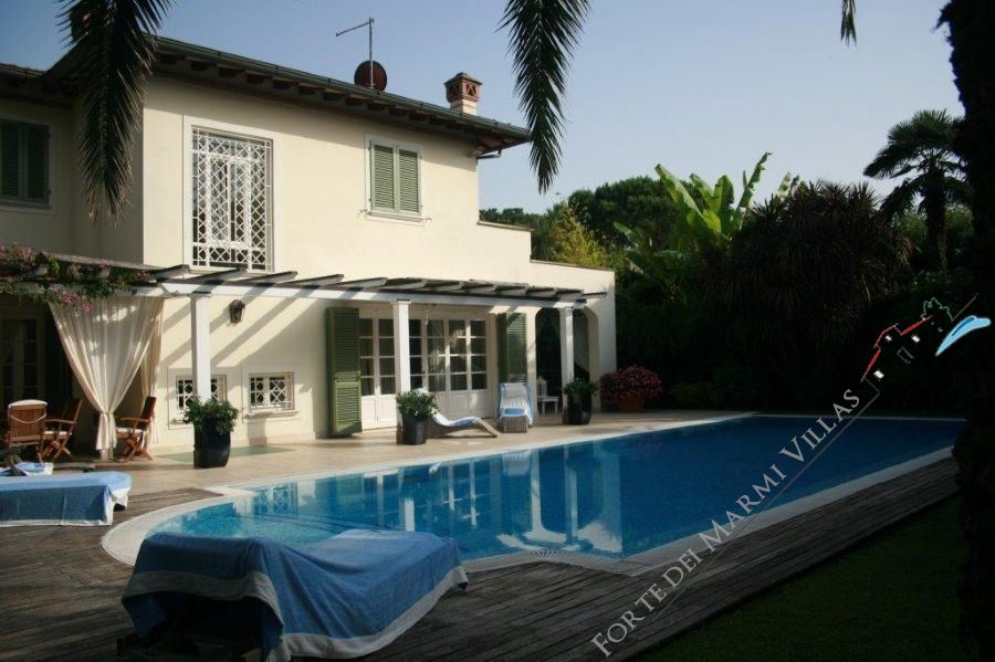 Villa Sara detached villa to rent and for sale Forte dei Marmi