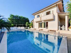 Villa Alias : Piscina