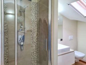 Appartamento Ercole : Bagno con doccia