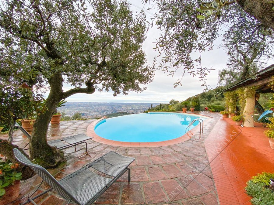 Villa Ginevra detached villa for sale Pietrasanta