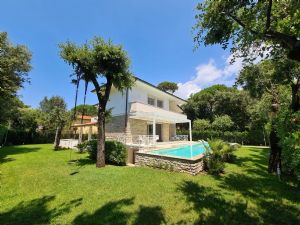 Villa Aeternitas Detached villa  to rent  Forte dei Marmi