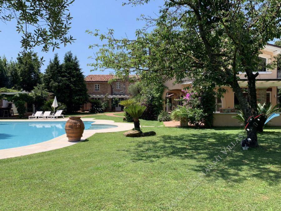Villa il Gallo detached villa to rent Seravezza