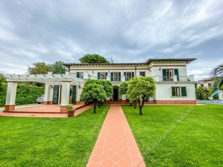 Villa Champenoise detached villa to rent and for sale Forte dei Marmi