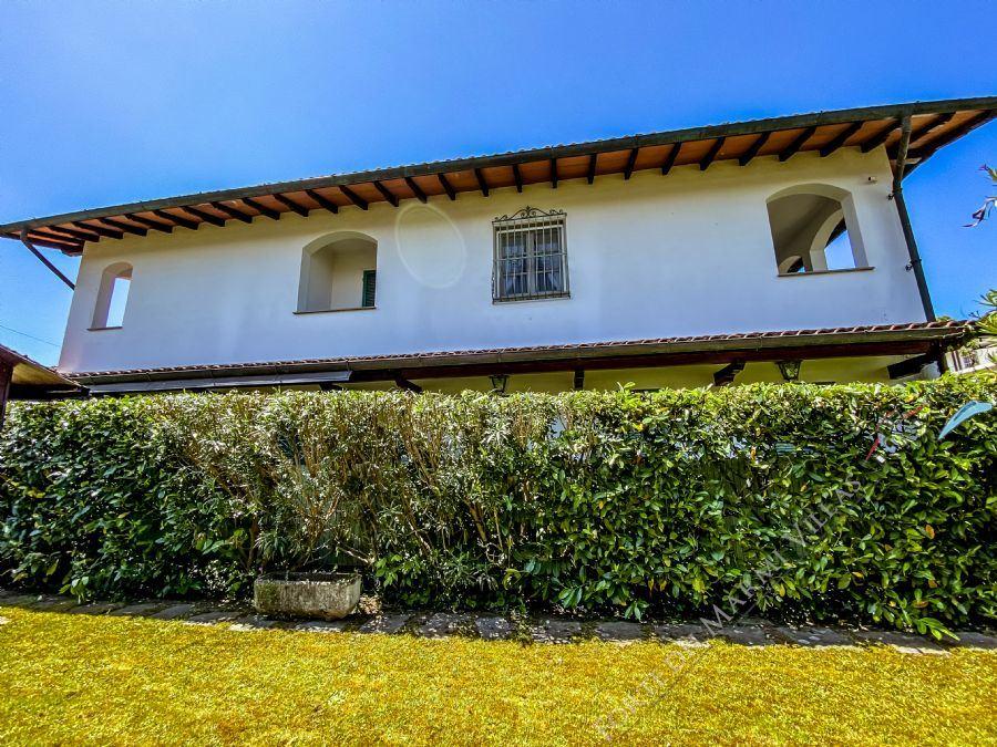 Bifamiliare Il Cinquale - Semi detached villa For Sale Cinquale