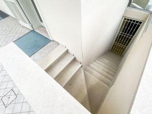 Villa Fresh : Marble stairs