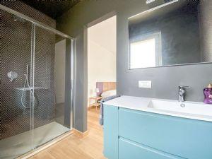 Villa Fresh : Bathroom with shower
