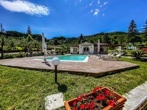 Villa Horse Villa singola  in affitto  Camaiore
