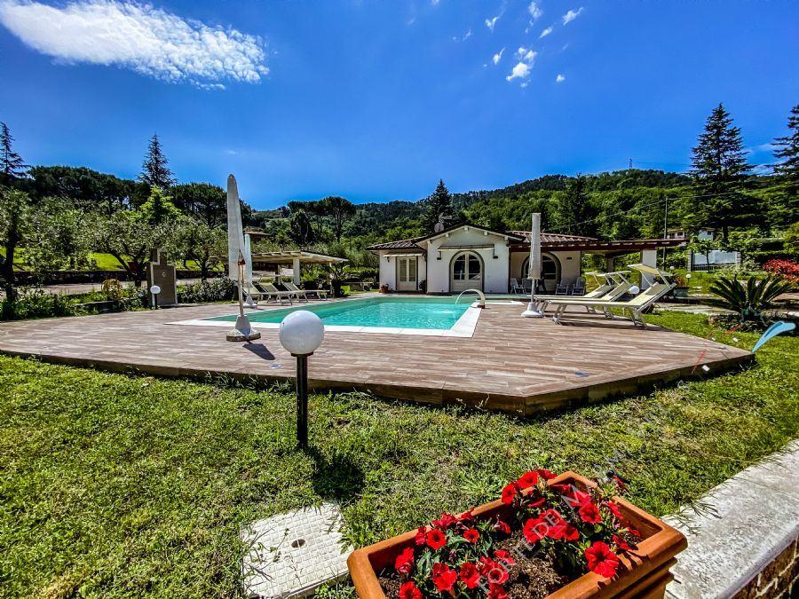 Villa Horse - Detached villa To Rent Camaiore