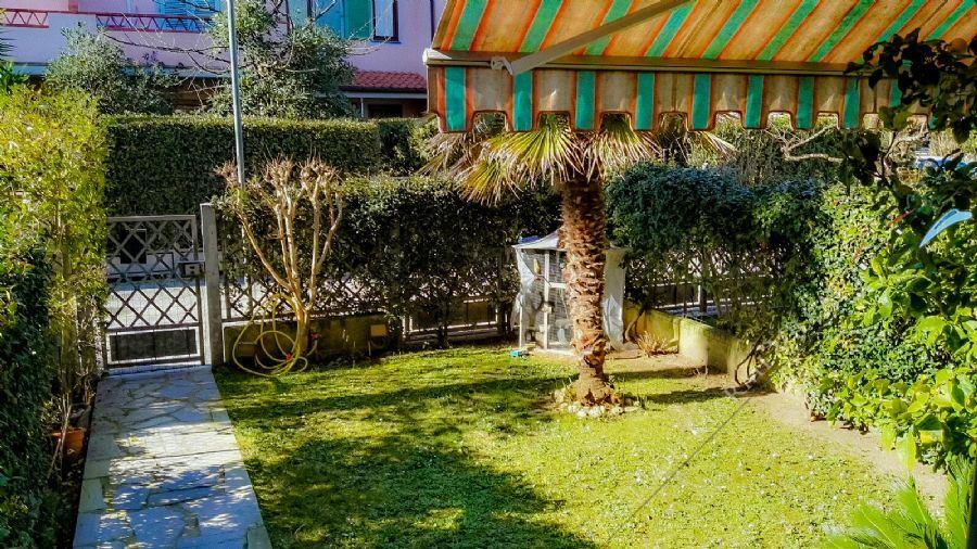 Villa Bigi Вилла  на продажу  Форте дей Марми
