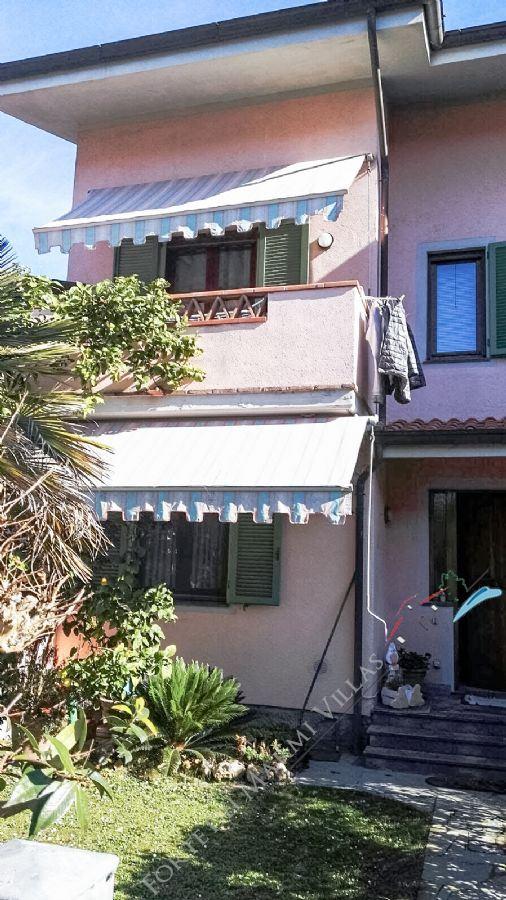 Villa Bigi terraced villa to rent and for sale Forte dei Marmi