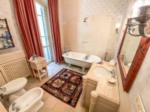 Villa Visconti : Bathroom with tube