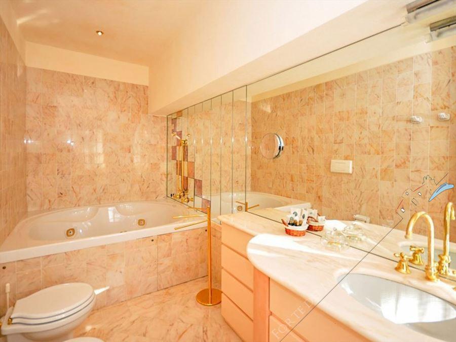 Villa Reale  : Bagno con vasca