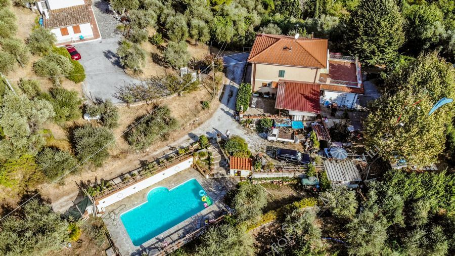 Villa Montebello 2 - Detached villa For Sale Camaiore