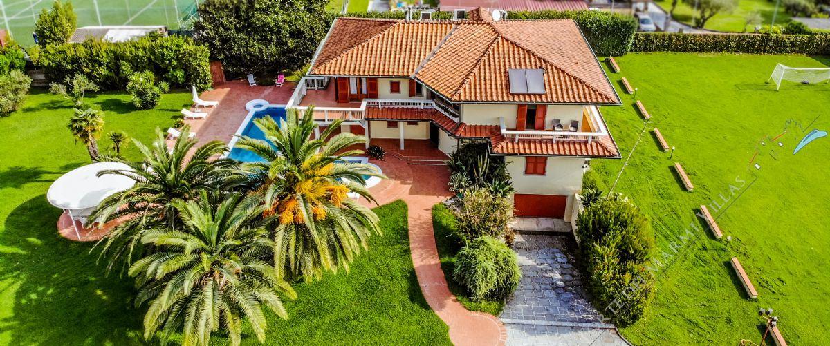 Villa Mare-Monti villa singola in vendita Marina di Massa