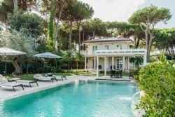 Villa Lugana : semi detached villa to rent  Forte dei Marmi