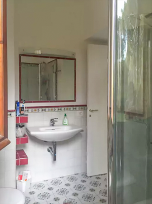 Villa Roccamare : Bathroom with shower