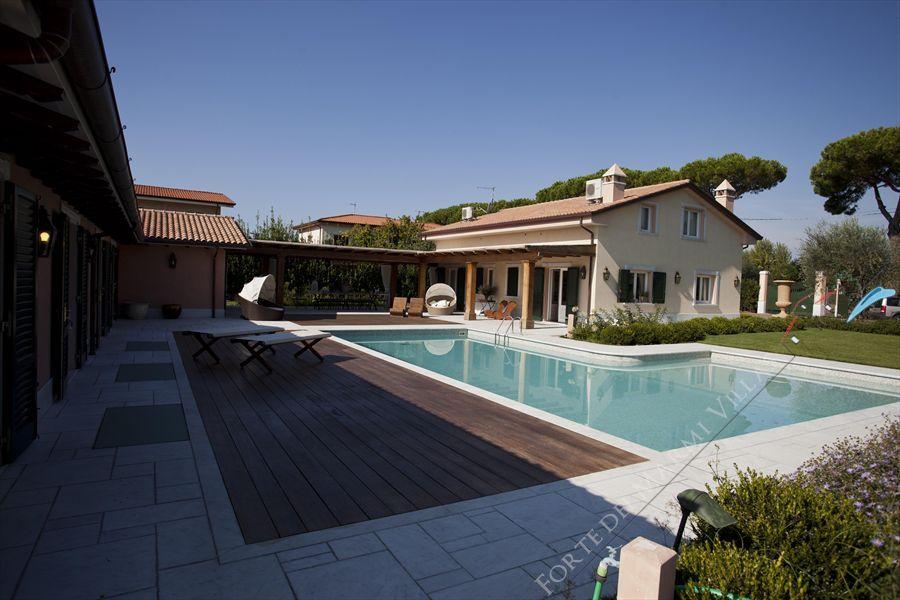 Villa Lorenza  - Detached villa Forte dei Marmi