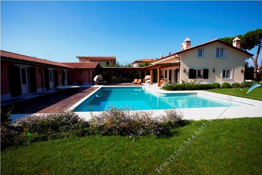 Villa Lorenza  : Outside view