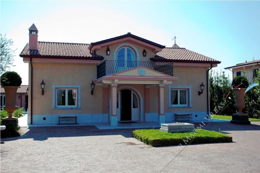 Villa Lorenza  : Outside view